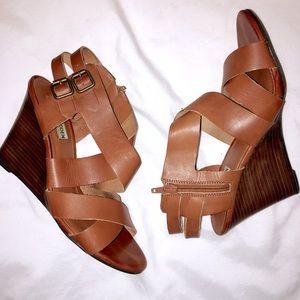 Steve Madden cross wedge sandal size 8